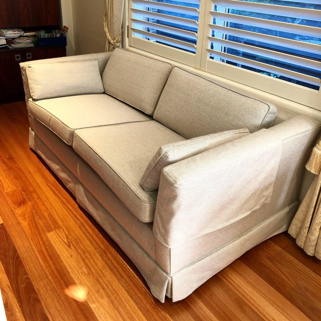 Recover vintage sofa-bed with pull out spring base. Click here to see more...